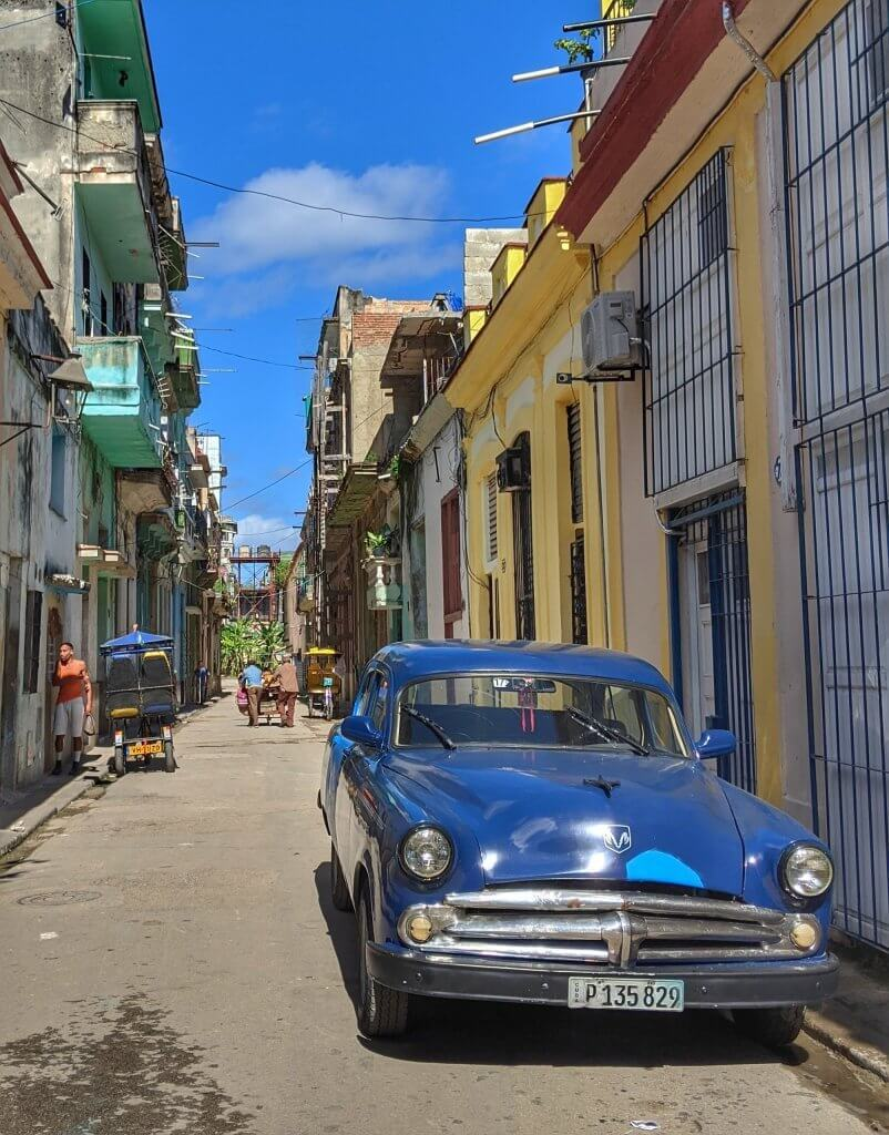 Street Car Havana Classic Cuba Backpacker Budget
