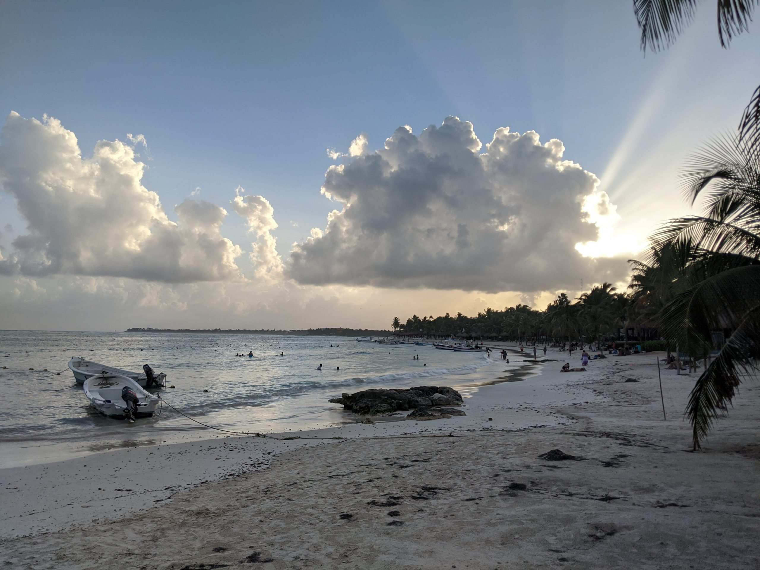 How to get to Akumal beach for free